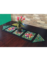 Applique Bouquet Table Runner