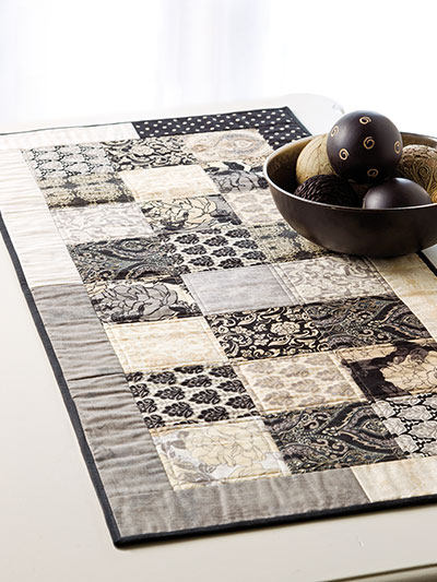 EXCLUSIVELY ANNIE'S QUILT DESIGNS: Quick Chic Table Runner Quilt Pattern