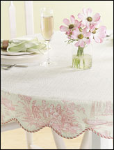 Scalloped Table Topper