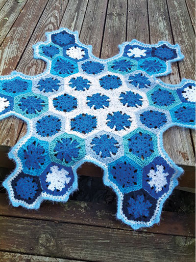Blue-Flake Decorative Holiday Throw