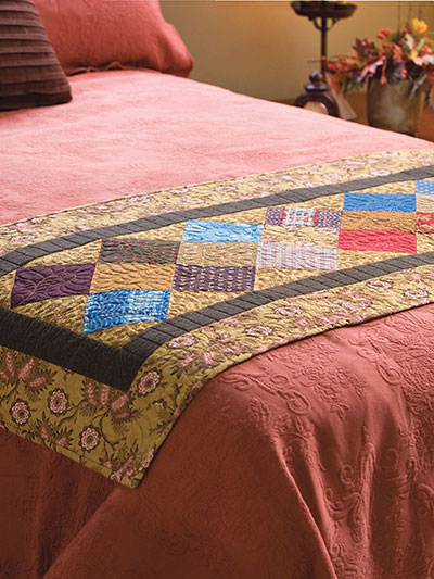 Quilting bed quilt patterns night crossing bed runner for Bed quilting designs