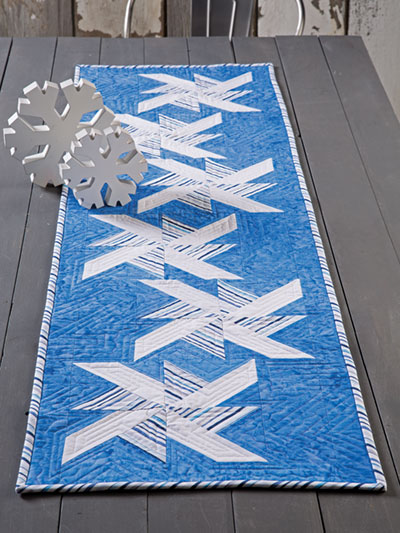 EXCLUSIVELY ANNIE'S: Drifting Snow Table Runner Quilt Pattern