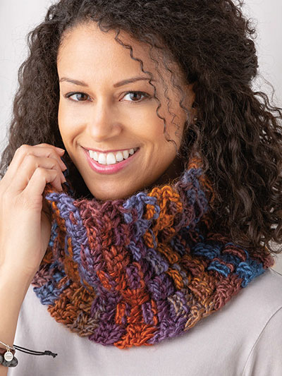 Woven Rounds Cowl Crochet Pattern