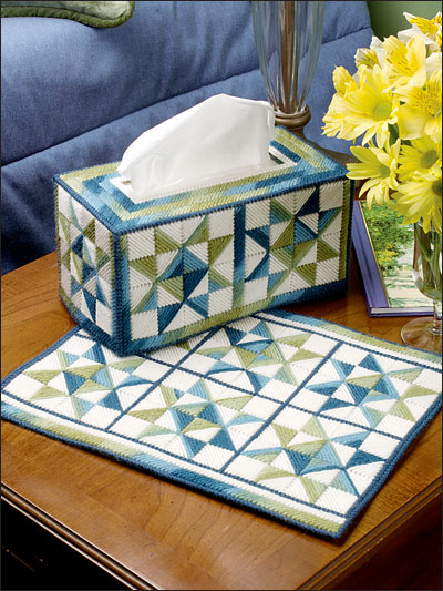 """Ohio Star"" Tissue Cover & Place Mat"