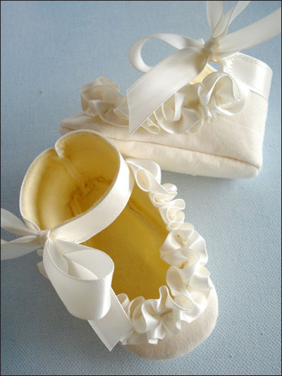 Baby Shoes With Ruffled Ribbon