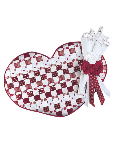 Woven Hearts Place Mat & Napkin Ring