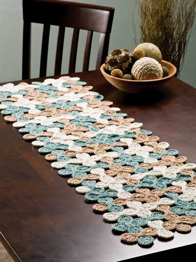 Crochet Patterns Table Runner : thread crochet table runner pattern