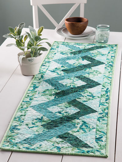 EXCLUSIVELY ANNIE'S QUILT DESIGNS: Tangles Table Runner Quilt Pattern